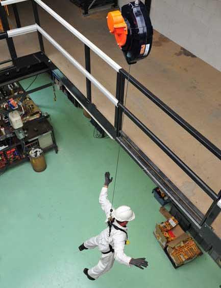 Evacuatie-toestel-PED15-gecontroleerd-automatisch-dalen-personen