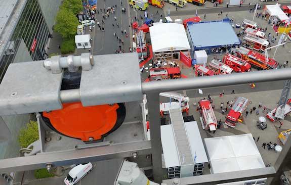 FAB15-valstopapparaat-Brandweer-korf-hoogwerker-beurs