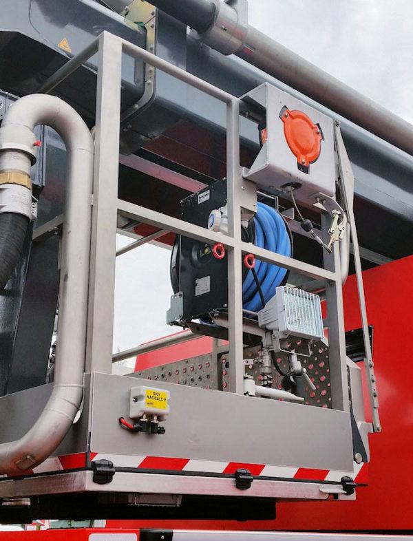 FAB15-valstopapparaat-Brandweer-korf-hoogwerker-buiten