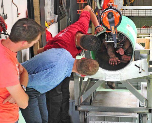 FAB15R-valstopapparaat-testen-mangat-fabricage-in-huis