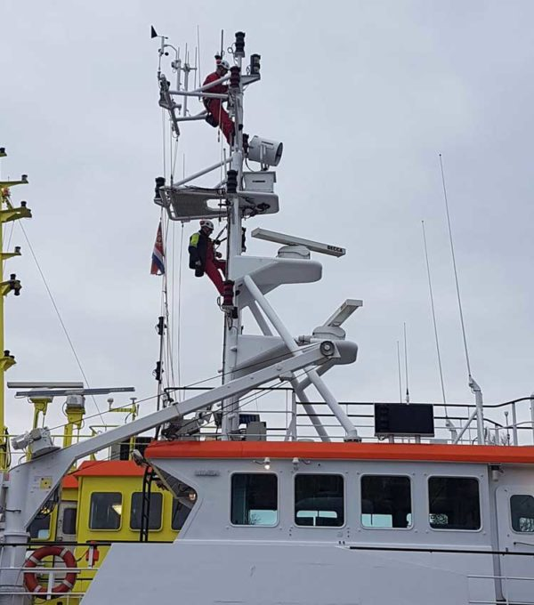 HONORail-8800-systeem-verticale-valbeveiliging-schip