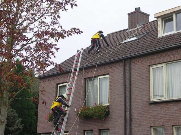 HONORoof®-Safety-daklijnsysteem-valbescherming-veilig-werken-daken-brandweer-01