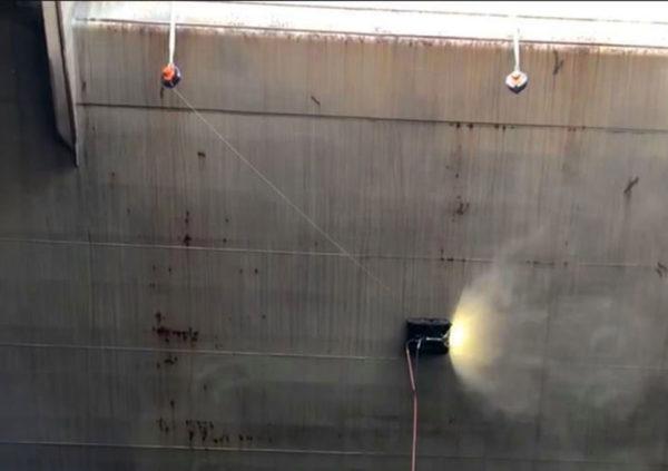 LAD33-200-Vallastbeveiliging-met-afdaalfunctie-33-meter-valbeveiliging-cleaningrobot-bootruim