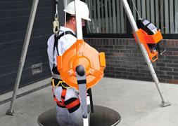 Personenlieren-(MRW)-combinatie-valstopapparaat,-driepoot-manhole