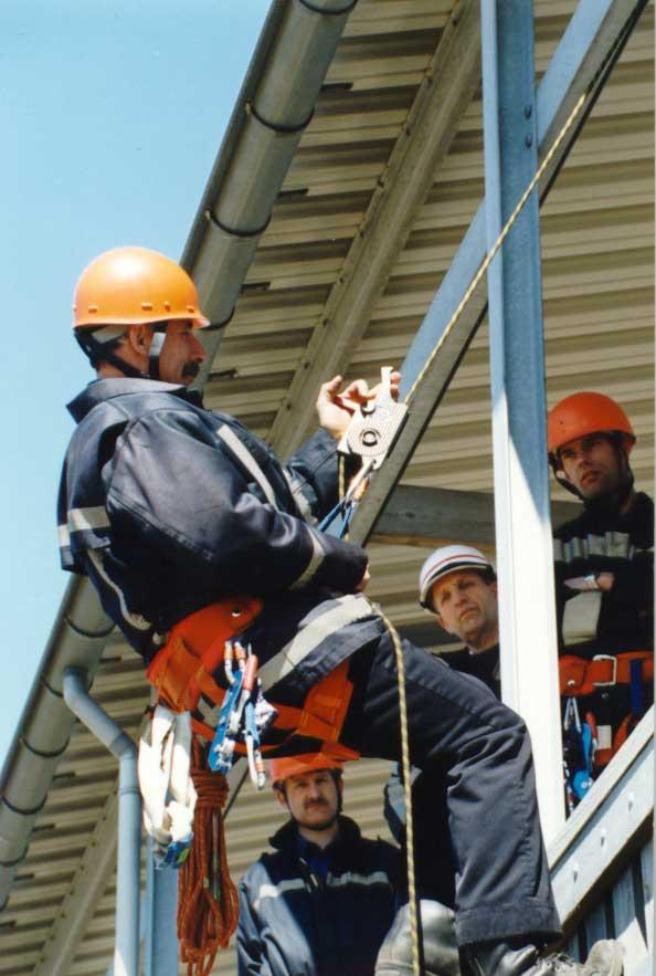 RG-200-afdaal--en-evacuatiesysteem-rampenbestrijding