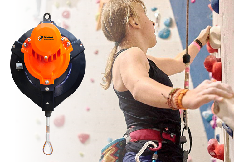 vacature almere Product-Manager-Klimmen- Adventure CWD10 Girl climbing