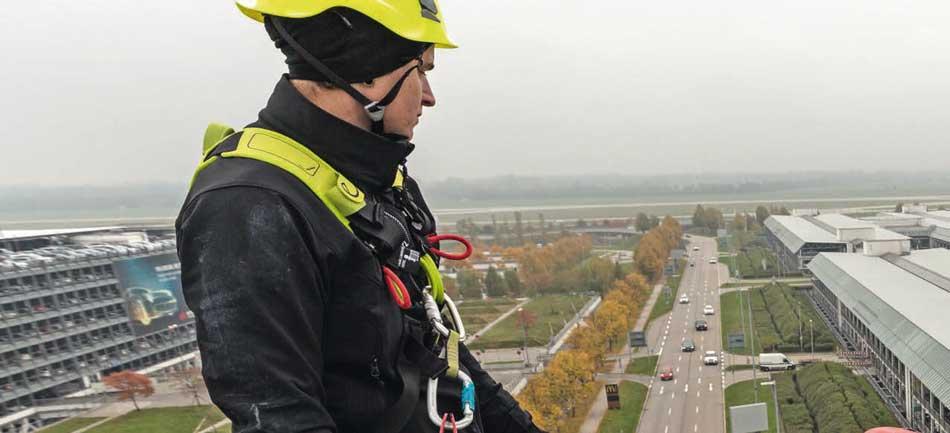 veiligheidsharnas-Edelrid--werken-op-hoogte--HONOR-Safety-&-Consultancy-Almere